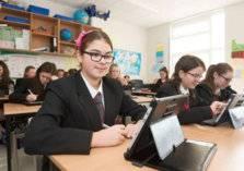 مع بدء العام الدراسي.. إليك خيارات التعليم في الإمارات والسعودية
