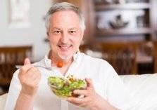 إليك قائمة الطعام الصحي بعد الخمسين