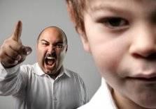 تصرفات محرجة تؤرق جميع الآباء