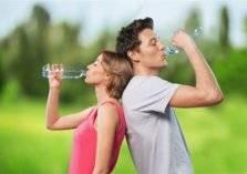 """إليك أبرز طرق خسارة الوزن بشرب """" الماء"""" فقط!"""
