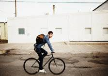 كيف تحافظ على سلامة ظهرك عند ركوب الدراجة الهوائية؟
