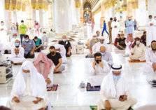 شاهد.. عودة الصلاة في المسجد الحرام لأول مرة منذ سبعة أشهر
