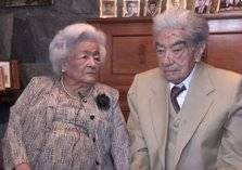 79 سنة حب..الموت يفرق بين أكبر زوجين في العالم