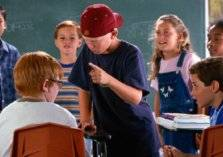 5 عيوب تربوية تجعل طفلك متنمراً