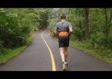 شاهد.. كفيف يركض لمسافة 5 كيلومترات بدون مساعدة!