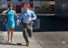 رجل يقطع مسافة 450 كيلومتراً هرباً من زوجته!
