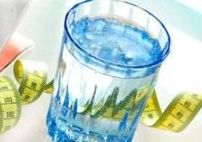دراسة علمية: شرب الماء يكافح السمنة والسكري