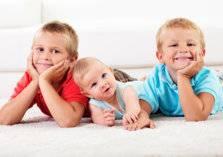 الفجوة العمرية بين الأخوة.. هل تؤثر على طبيعة العلاقة بينهم؟