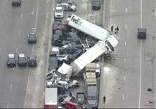 تصادم جماعي.. حادث مروري مروع في تكساس الأمريكية