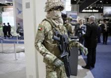 الإمارات: عقد صفقات أسلحة محلية ودولية بقيمة 7.2 مليار دولار