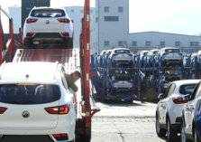 كم سيارة يحق للمواطن والمقيم استيرادها للسعودية؟
