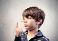 بطرق بسيطة.. علامات تكشف كذب طفلك!