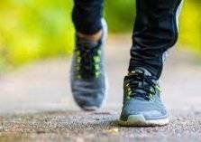 كم عدد الخطوات التي يجب أن تمشيها يومياً؟