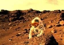 فيديوهات طريفة لسعودي يدعي أنه يعيش على المريخ!