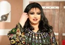 أم الإمارات تكرم سميرة توفيق على طريقتها الخاصة