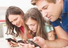 متى تسمح لطفلك بامتلاك هاتف محمول؟