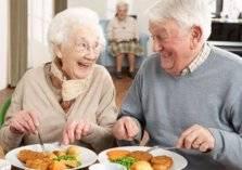 قائمة الأطعمة الصحية التي يجب تناولها بعد الـ 50