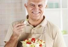 قائمة الأطعمة المحظور تناولها بعد بلوغ الخمسين