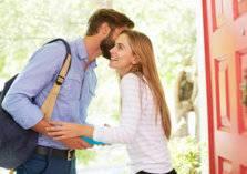 دراسة: الرجال الذين يقبلون زوجاتهم صباحاً يعيشون سنوات أطول!