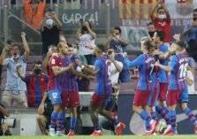 برشلونة يتجاوز صدمة رحيل ميسي بانتصار رباعي!