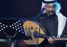 """بعد مرور 15 عاما.. """"شاهد"""" عبادي الجوهر يبكي على رحيل زوجته على المسرح"""