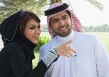 إليك أغرب أسباب السعادة الزوجية