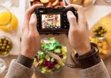 دراسة: مشاركة صور الطعام على السوشيال يزيد من محيط الخصر